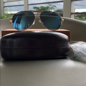 Michael Kors mirrored sunglasses 😎